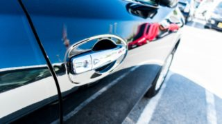 バック駐車(車庫入れ)が苦手ならアラウンドビューモニター付きの車がおすすめ